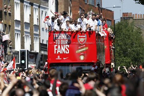 Arsenal đã có cúp FA, mơ tiếp cúp Ngoại hạng