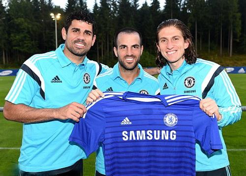 Fabregas (giữa) và Diego Costa (trái) về khoác áo Chelsea