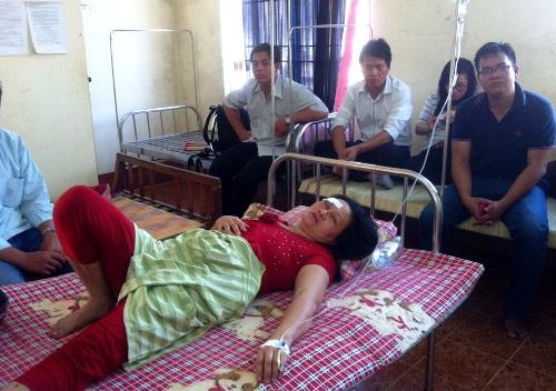 Bà Sa lúc bị Tùng đánh bị thương
