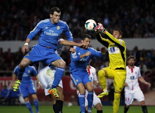 Real áp đảo đội chủ nhà Sevilla với bộ ba Ronaldo - Bale - Benzema