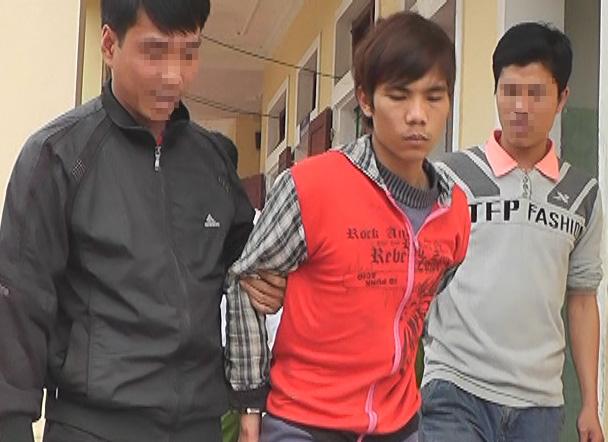 Phạm Văn Tùng bị lực lượng công an bắt giữ