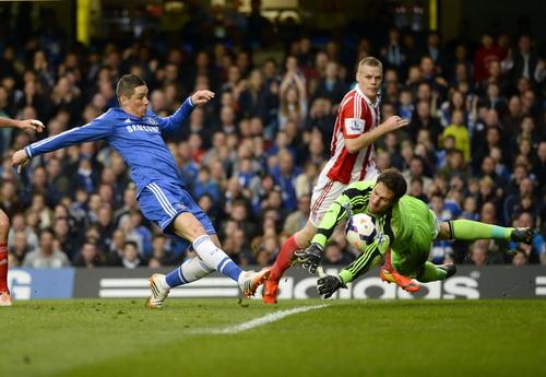 Torres vẫn tỏ ra kém duyên trước khung thành đối phương