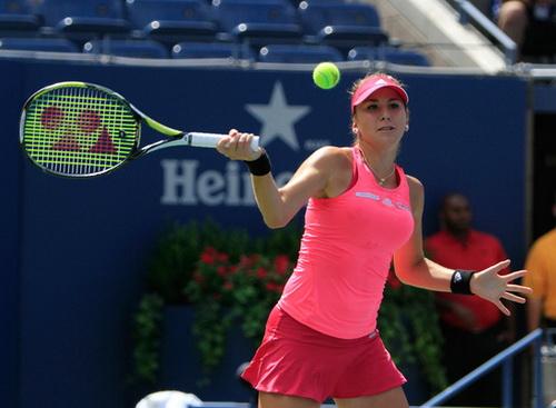 Belinda Bencic không vượt qua nổi đối thủ dày dạn kinh nghiệm