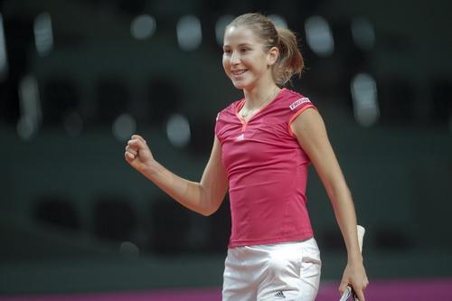 Tay vợt 17 tuổi Belinda Bencic lên hạng 33 thế giới