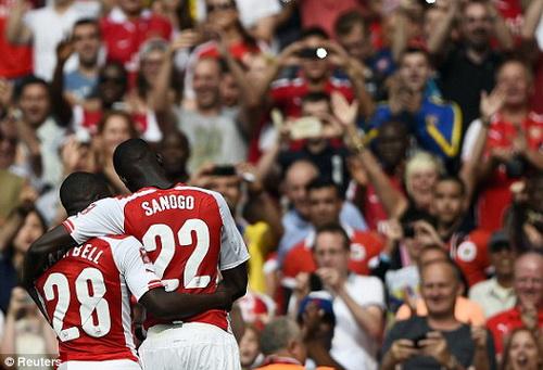 Campbell và Sanogo chưa thể hiện được năng lực như kỳ vọng ở Arsenal