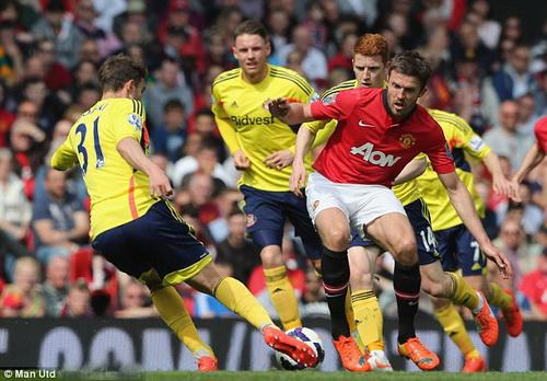 Carrick xông xáo nhưng hàng tiền vệ M.U không tạo được sức bật trước Sunderland
