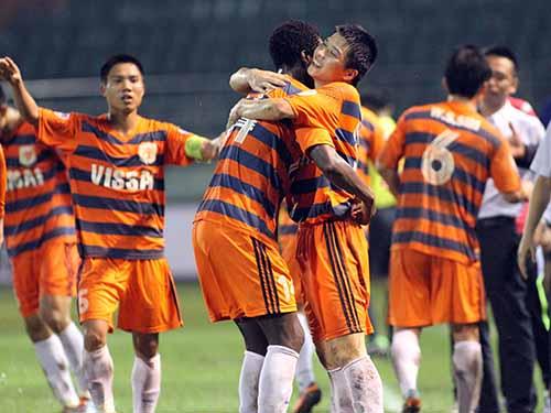 Sau khi phát hiện các cầu thủ trong đội dàn xếp, cá độ, V. Ninh Bình đã dừng không tham gia V-League năm 2014 - Ảnh: Hải Anh