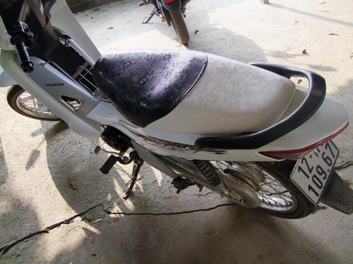 Chiếc xe máy là tang vật trong vụ cướp