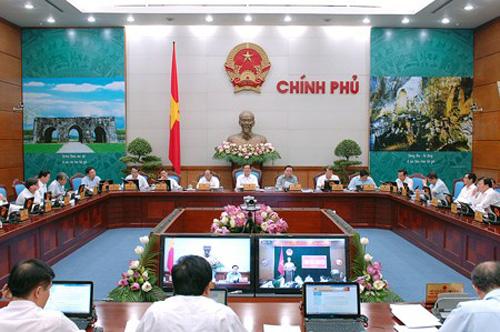 Thủ tướng Nguyễn Tấn Dũng chủ trì phiên họp Chính phủ thường kỳ tháng 6-2014, được tiến hành trực tuyến với 63 tỉnh, thành - Ảnh: VPG
