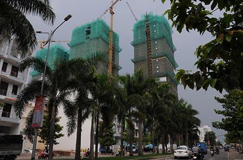 Thị trường bất động sản ấm dần giúp giảm tồn kho vật liệu xây dựng Ảnh: Hồng Thúy