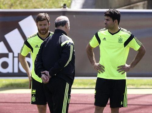 Diego Costa tại địa điểm tập trung với đội tuyển Tây Ban Nha ở Barcelona