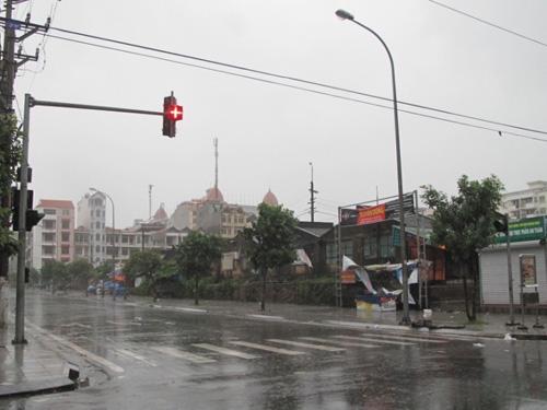 TP Móng Cái mất điện diện rộng song đèn tín hiệu giao thông vẫn được duy trì