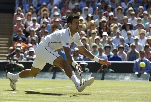 Djokovic quá bản lĩnh ở những pha xử lý bóng tinh tế