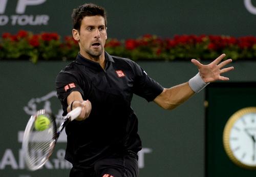 Djokovic lội ngược dòng thành công, giành quyền vào tứ kết