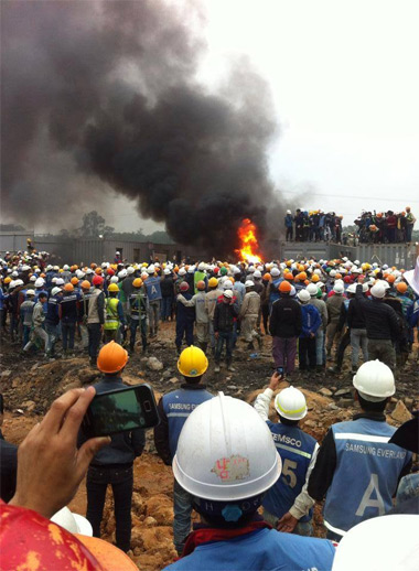 Container làm nơi ở của đội bảo vệ bị công nhân đốt cháy - Ảnh: Facebook Thái Nguyên City