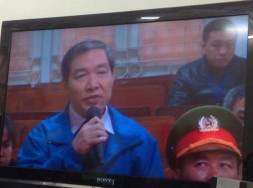 Dương Chí Dũng đã khai đưa hơn 1,5 triệu USD cho cán bộ cấp cao mật báo tin mình bị khởi tố. Ảnh: Thế Kha