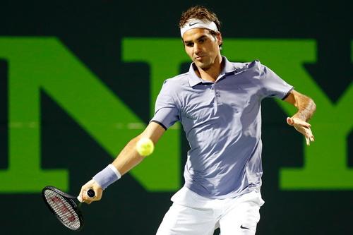Federer khởi đầu thuận lợi trước Nishikori
