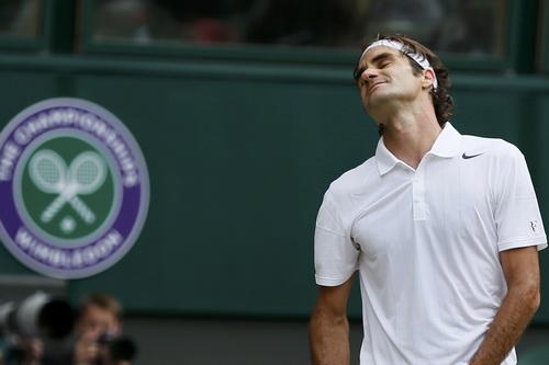 Federer có những thời khắc tưởng chừng chấp nhận thua sớm
