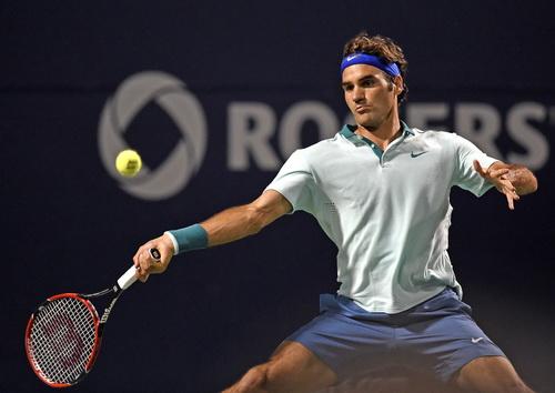 Lão tướng Federer lặng lẽ chinh phục các kỷ lục