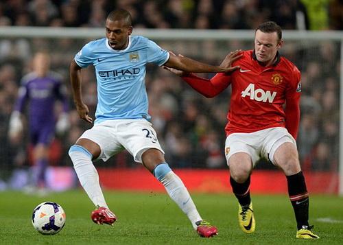 Fernandinho vô hiệu hóa Wayne Rooney