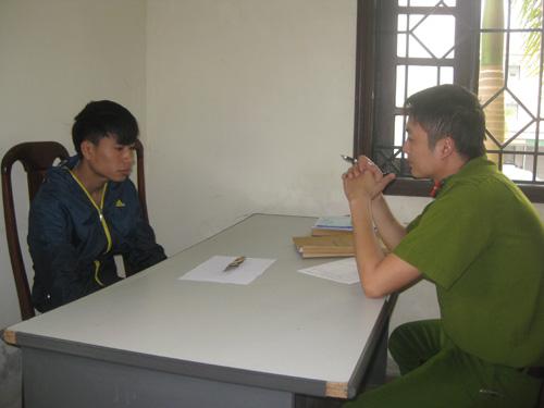 Hồ Văn Hà cùng hung khí gây án tại cơ quan điều tra