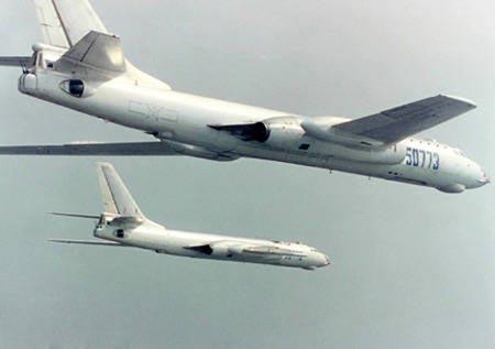 2 máy bay ném bom H-6. Ảnh: Want China Times