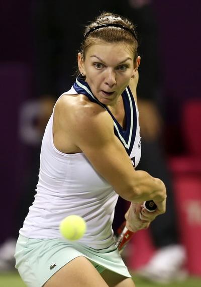Simona Halep gây ấn tượng bằng chiến thắng trước Radwanska