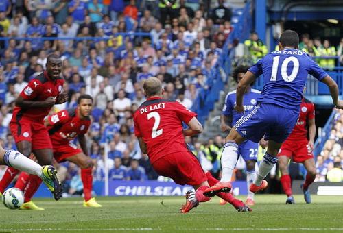 Hazard ghi bàn ấn định tỉ số