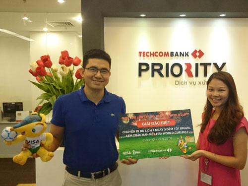 Anh Trần Quốc Việt- Khách hàng may mắn trúng Giải đặc biệt của chương trình