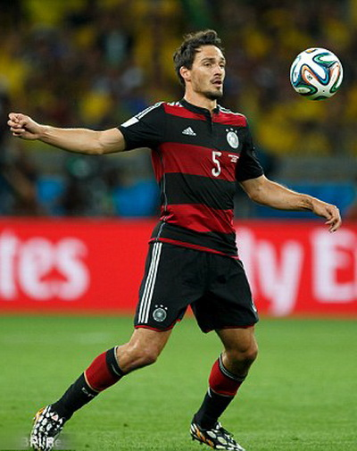 Mats Hummels tromg màu áo tuyển Đức