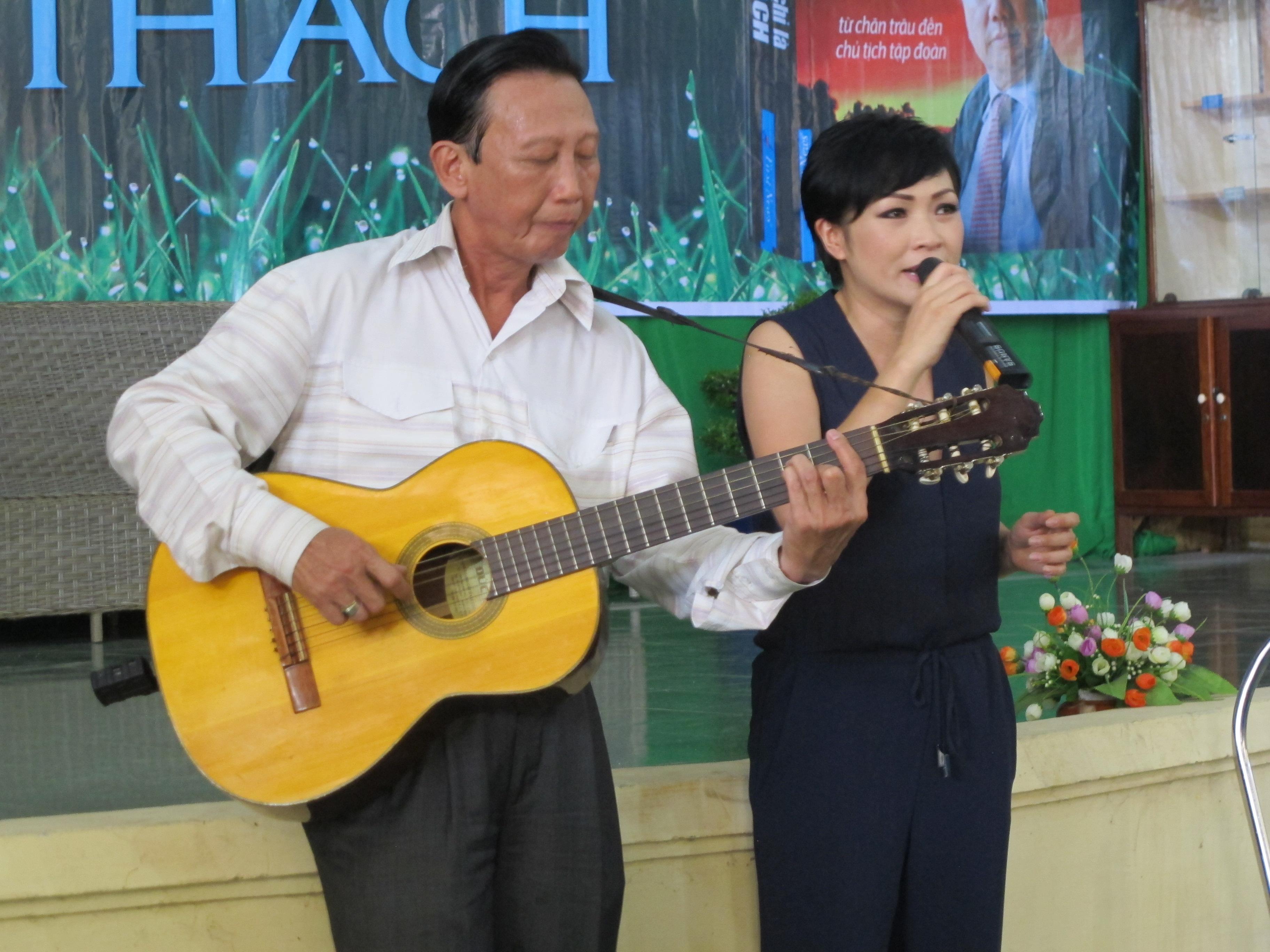 Ca sĩ Phương Thanh và nhạc sĩ Thế Hiển