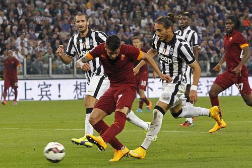 Iturbe đưa Roma vượt lên trước 2-1 với pha dứt điểm điệu nghệ