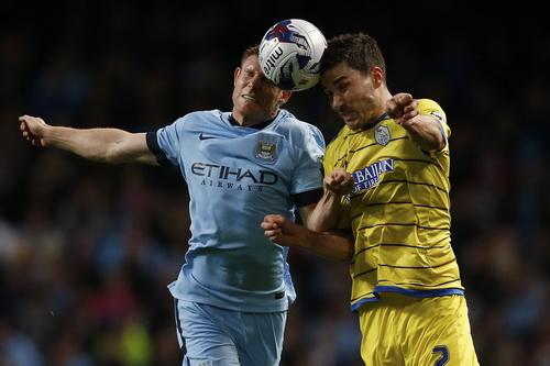 Milner vất vả trước hàng thủ Sheffield