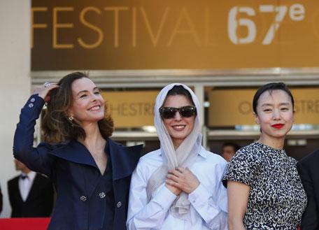 Nữ diễn viên Iran bị chỉ trích vì hôn lên má đàn ông