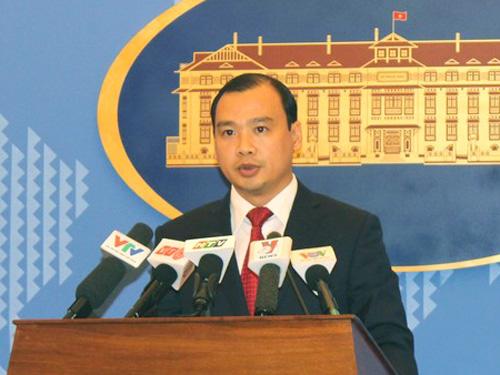 Người phát ngôn Bộ Ngoại giao Lê Hải Bình: Việt Nam phản đối mạnh mẽ việc Trung Quốc xây dựng đường băng trên đảo Phú Lâm thuộc quần đảo Hoàng Sa của Việt Nam