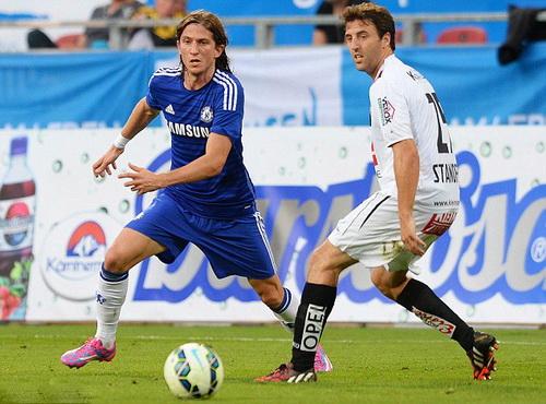 Tân binh Felipe Luis thi đấu tích cực trong 60 phút nhưng không ngăn nổi bàn thua