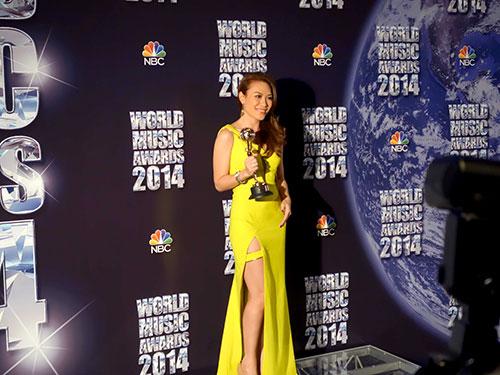 Ca sĩ Mỹ Tâm nhận giải World Music Awards tại Monaco hồi tháng 5- 2014