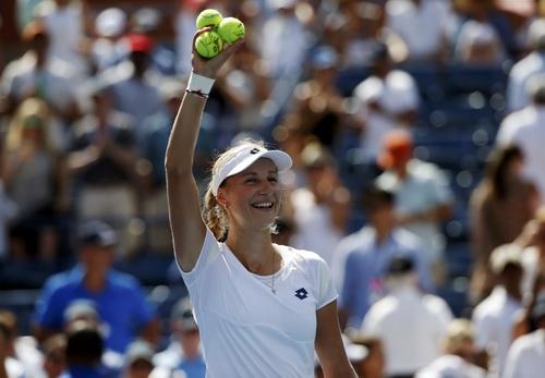 Makarova lần đầu dự bán kết Grand Slam