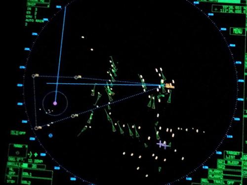Giàn khoan Hải Dương 981 (điểm sáng vàng) di chuyển lúc 21 giờ 03 phút ngày 15-7 với hàng chục tàu Trung Quốc hộ tống