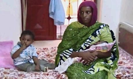 Cô Meriam Ibrahim bị giam cùng với con trai 18 tháng tuổi và con gái mới sinh. Ảnh: AP
