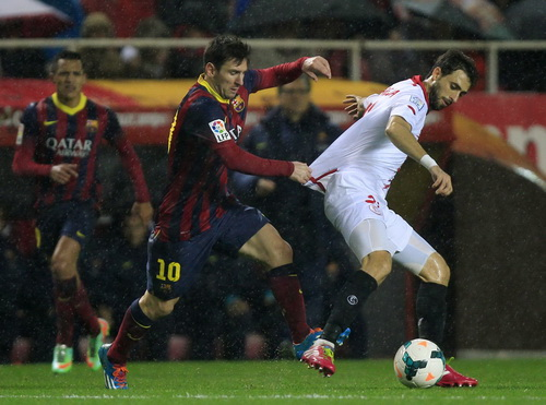 Messi tỏa sáng kịp thời, đem về chiến thắng và ngôi đầu cho Barcelona