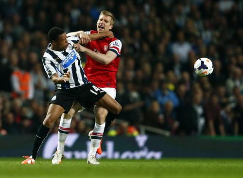 Trận đấu Arsenal - Newcastle chỉ sôi động ở những phút đầu