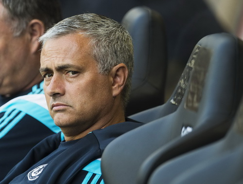 Mourinho không giữ được sự bình thản khi cho rằng đội nhà bị xử ép
