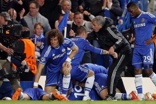 Niềm vui của thầy trò HLV Mourinho