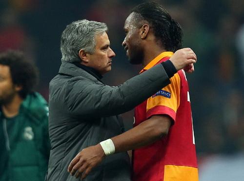 Drogba khi còn khoác áo Galatasaray vẫn được Jose Mourinho quý mến
