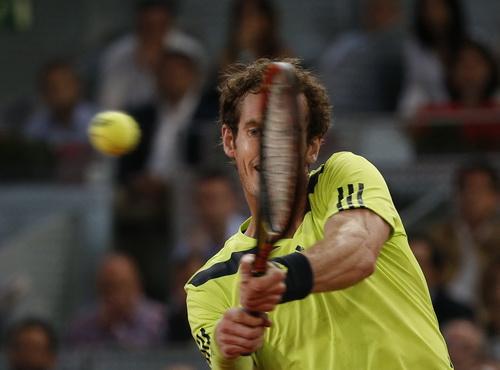 Murray thắng chật vật tay vợt chủ nhà Almagro