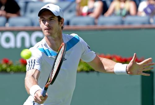 Đương kim vô địch Andy Murray gặp nhiều khó khăn tại giải năm nay