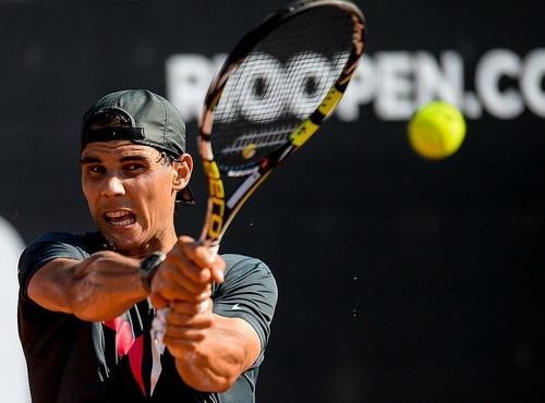 Nadal vào tứ kết