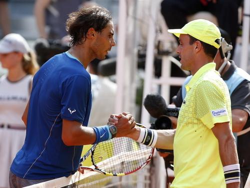... nhưng vẫn phải chấp nhận thất bại trước người đồng hương nổi tiếng Nadal