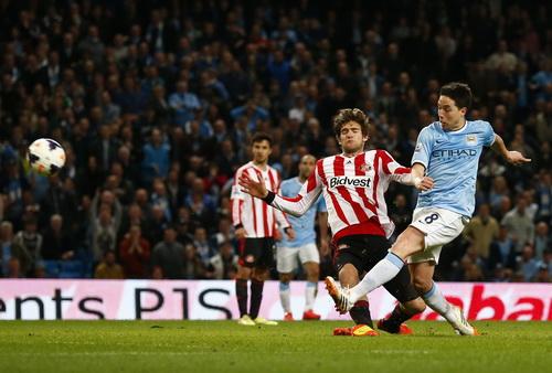 Man City vất vả đến cuối trận mới có bàn gỡ hòa của Nasri